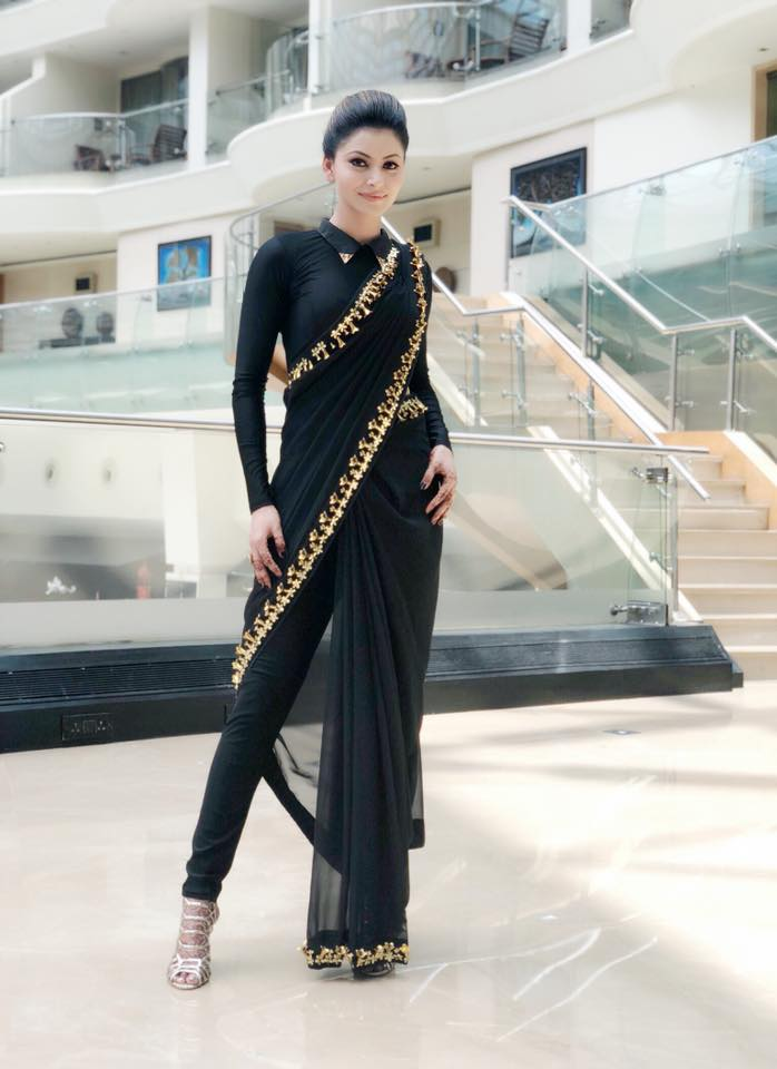 Urvashi Rautela In Saree Tikli