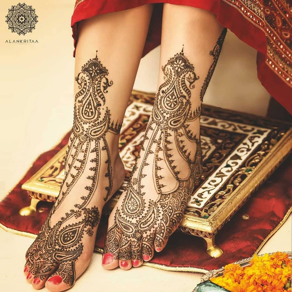 50+ Amazing Mehndi Designs For Leg Which Are Perfect For ...