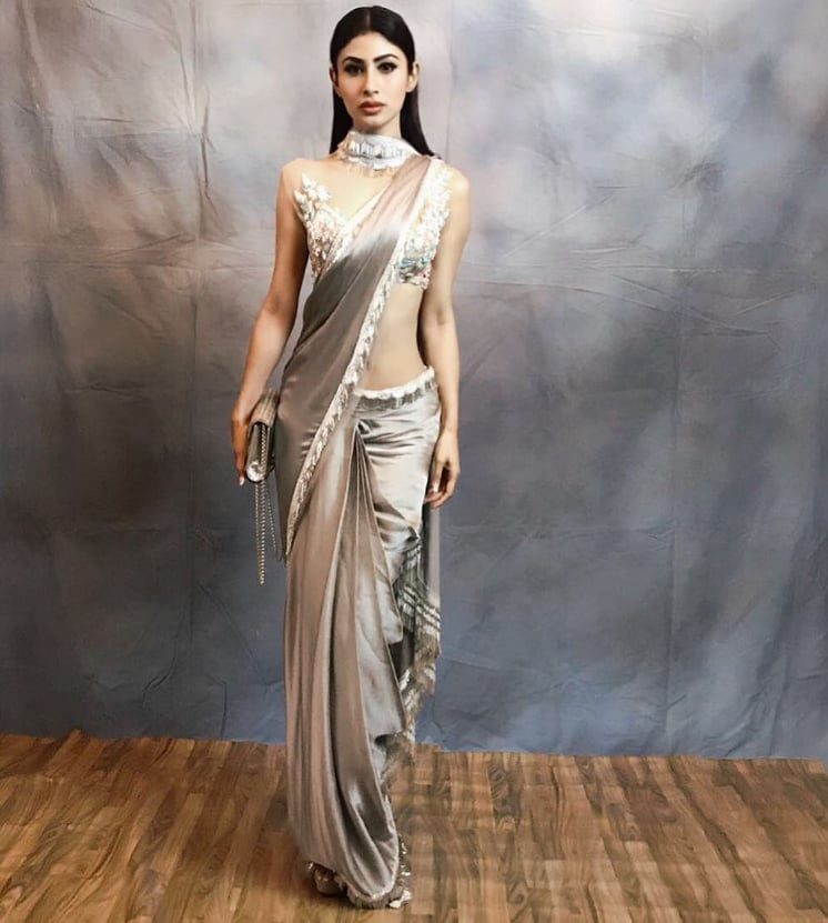 https://www.tikli.in/wp-content/uploads/2019/10/mouni-roy-photo-10.jpg